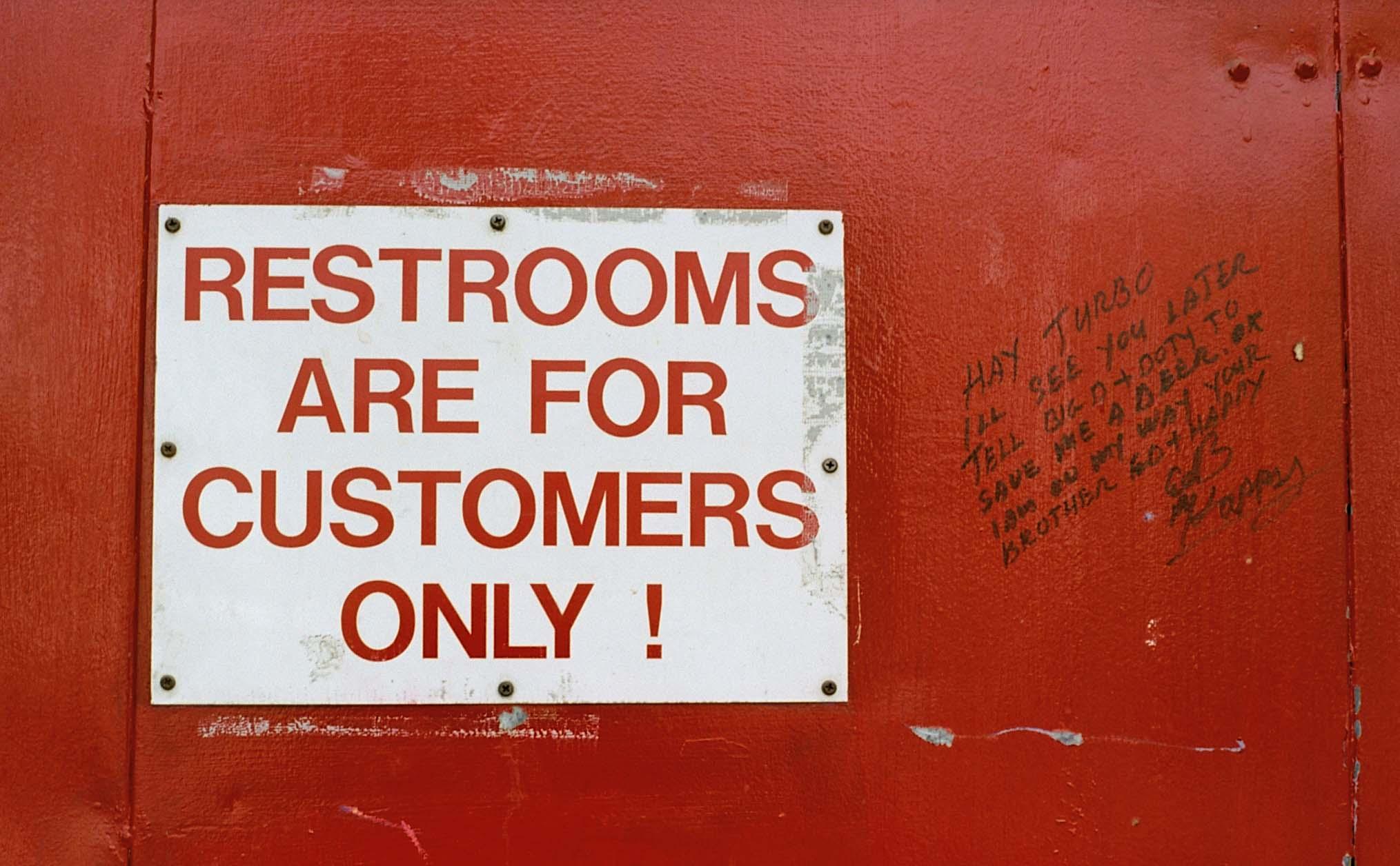 2006-phx-restroom-notice