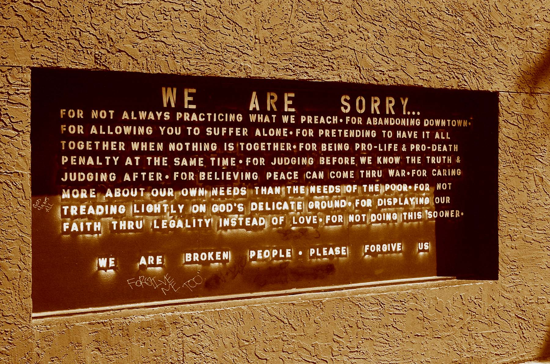 2007-phx-apology-wall-1